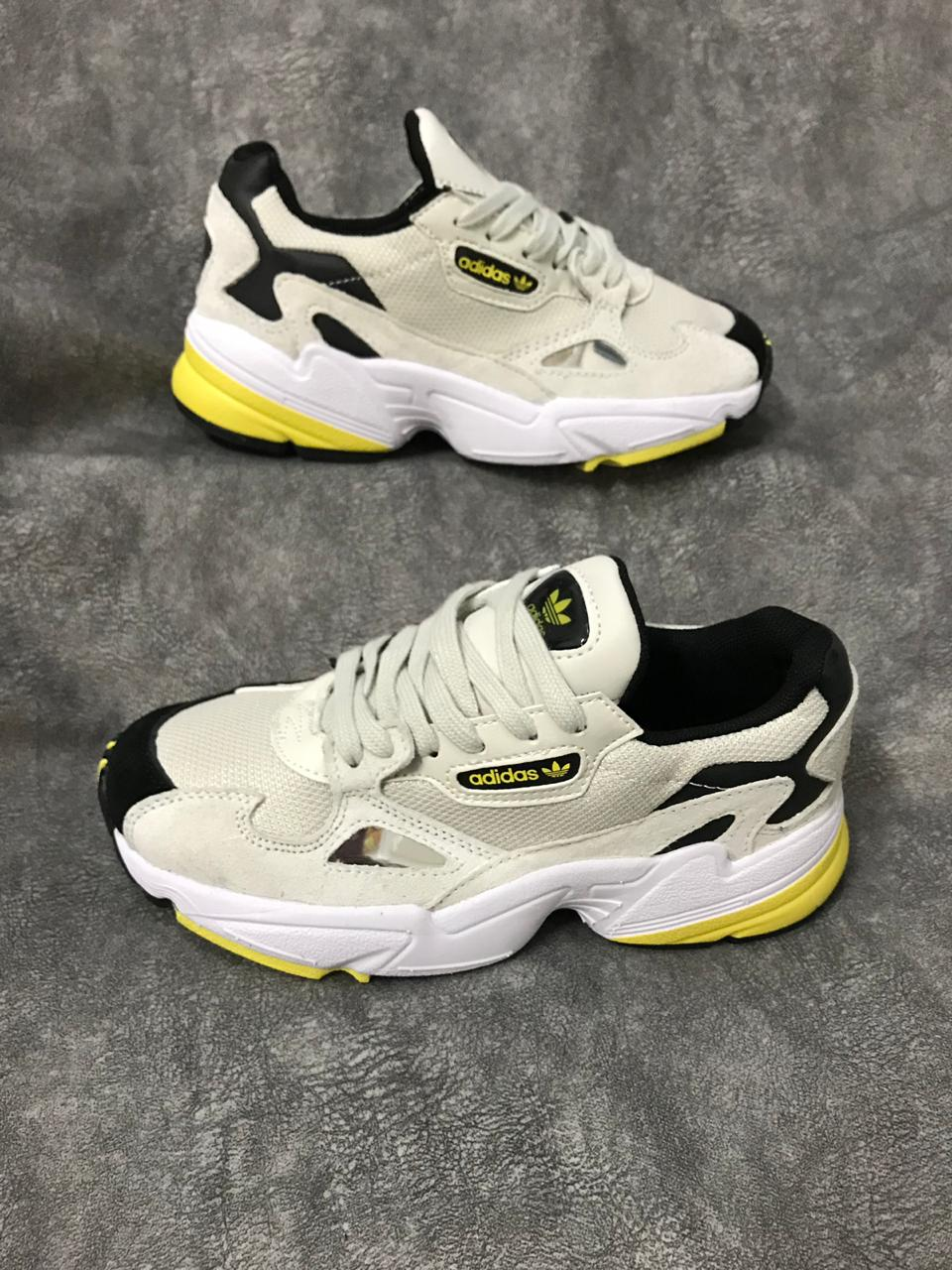 low priced cc000 2e784 ADIDAS FALCON DAMA Y CABALLERO - Zapatillas en Cali