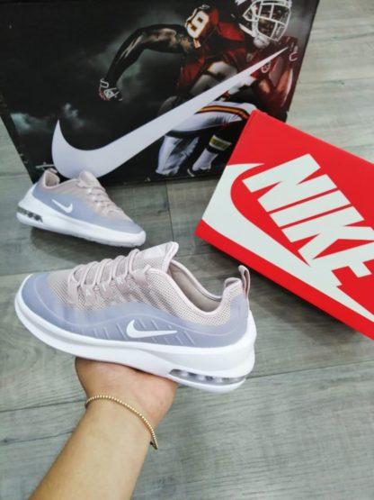 Nike Axis